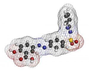 Zo ziet de chemische structuur van sulfasalazine eruit. De meest linkse ring is mesalazine. Het andere gedeelte is het bij reuma actieve gedeelte.
