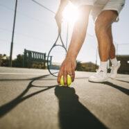 Tennissen beschermt bewegingsapparaat